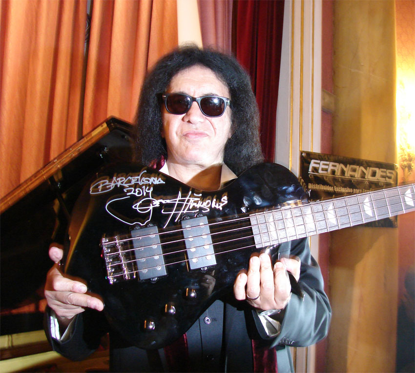 Gene Simmons con Fernandes